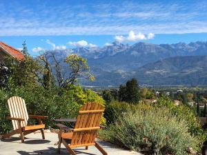 Chambre avec terrasse et vue montagne